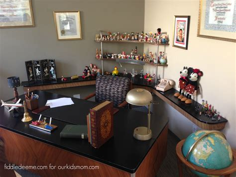 disney office desk accessories saving mr banks set and a tour of the disney studios lot