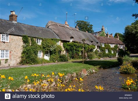 Very Pretty Thatched Cottages On Winkle Street On The Isle Cottages In The Isle Of Wight