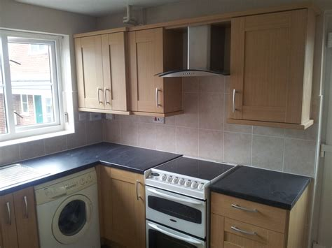 L and T Home Improvements: 100% Feedback, Bathroom Fitter