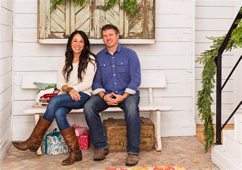 chip and joanna gaines net worth how much money does fixer upper what is chip and joanna gaines s from hgtv quot fixer upper