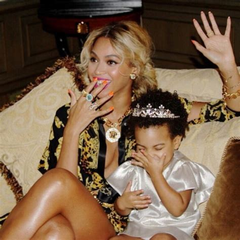 beyonce and blue ivy carter jewels beyonc 233 shirt beyonce mrs carter show white