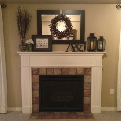 Accessories For Fireplace Mantel by Best 25 Mantle Decorating Ideas On Place