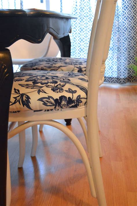 How To Reupholster A Dining by Best 20 Reupholster Dining Chair Ideas On