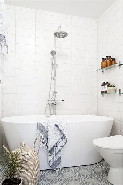 easy bathroom decorating blogs monitor 5 easy small bathroom designs daily dream decor bloglovin