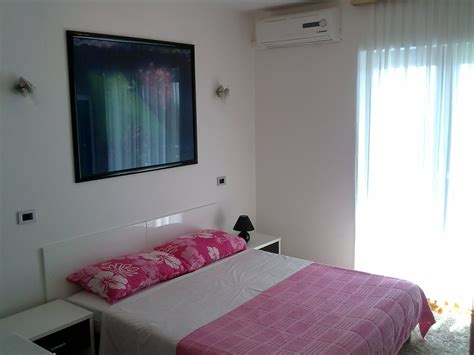 room to a3 deluxe one bedroom apartment with sea view 2 4 adults villa roses apartments wellness