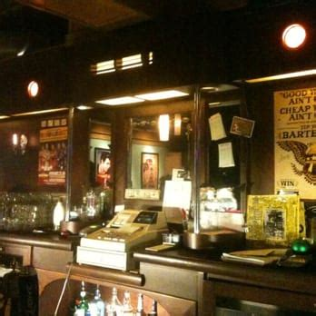 tip top bar grand rapids tip top deluxe bar gril 10 reviews music venues