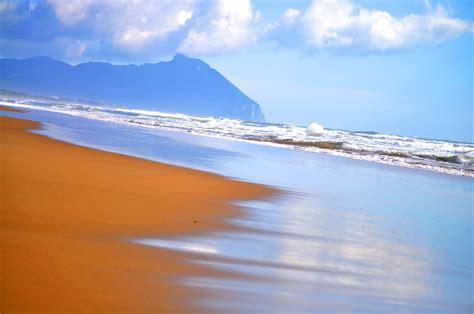 il gabbiano sabaudia spiaggia di sabaudia viaggi vacanze e turismo turisti