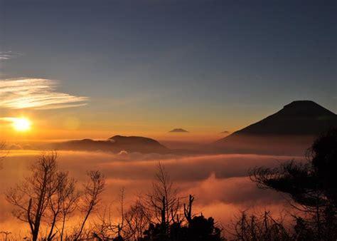 gunung sikunir dieng plateau xplore wisata operator