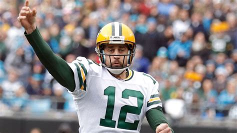 aaron rodgers of green bay packers defends leadership style healthy aaron rodgers strong defense make packers