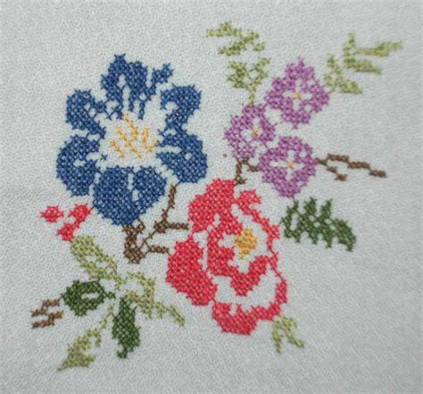imagenes flores en punto de cruz file punto de cruz flores 3 jpg