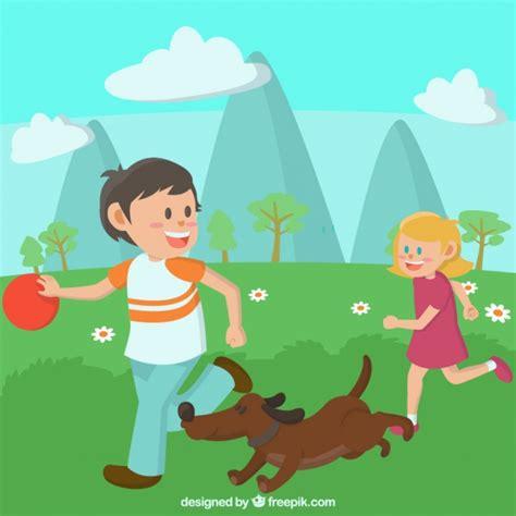 imagenes de niños jugando con animales ni 241 os jugando con un perro en una pradera descargar