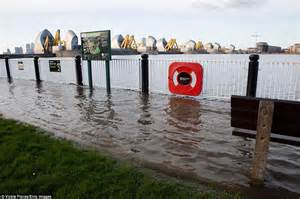 thames barrier obsolete flood hit homes targeted by thieves as south west is