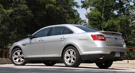 2010 ford taurus sho first drive 2010 ford taurus sho offers excellence without emotion autoblog