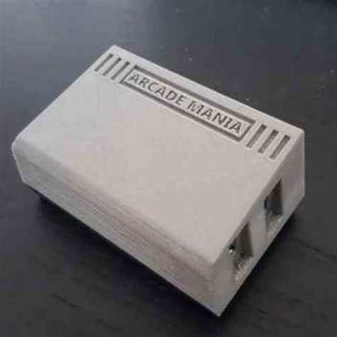 console videogiochi anni 80 nostalgia la retro console sta in un palmo di mano