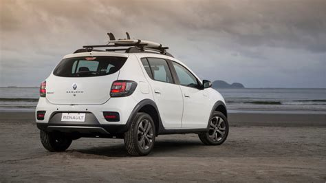renault sandero stepway 2016 2016 renault sandero stepway rip curl launched in south