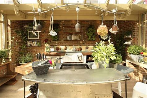 Luxury Kitchen Island Designs zahradn 237 kuchy jak 233 jsou mo nosti va en 237 na zahrad