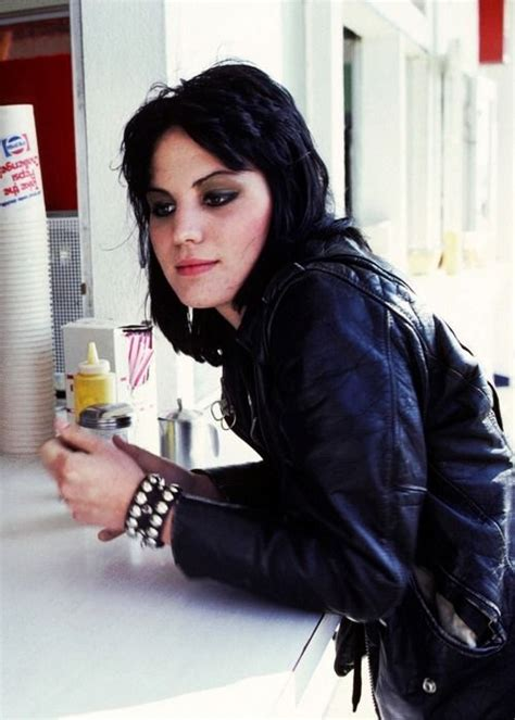 Rok Amira 410 best images about joan jett on touch me fowley and debbie harry