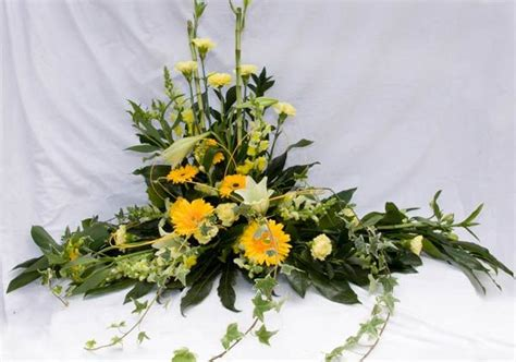 types of flower arrangement 1000 images about types of floral arrangements on floral arrangements pedestal and
