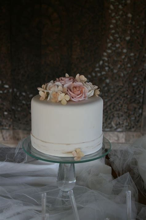 54 best Victoria Zoch Wedding Cakes images on Pinterest