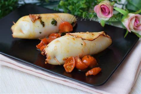 cucinare i calamari al forno calamari ripieni al forno le ricette di