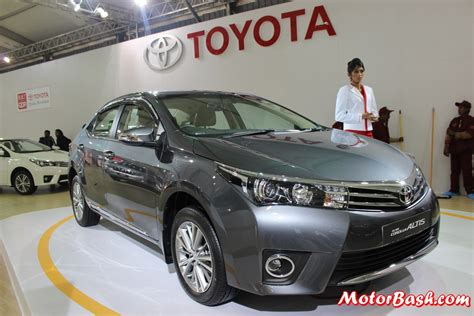 latest toyota new vs old toyota corolla altis feature details launch