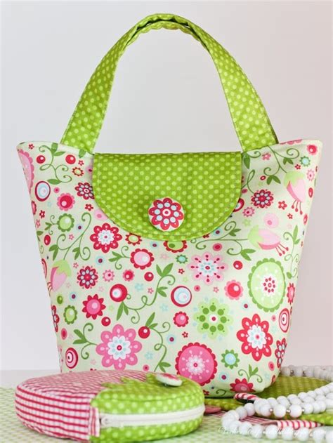 Handmade Fabric Bags Patterns - 17 best images about fabric handbags on free