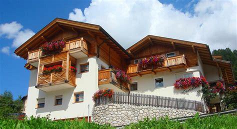 appartamenti affitto val badia appartamenti san cassiano appartamento alta badia dolomiti