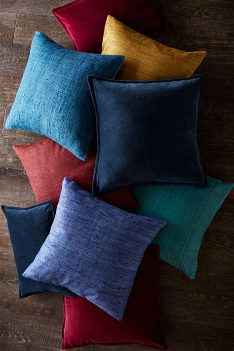 most comfortable throw pillows 1000 images about pillow toss on pinterest indigo