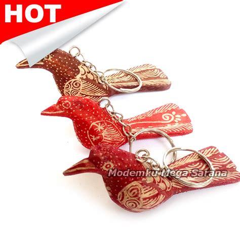 Souvenir Gantungan Kunci Nama jual gantungan kunci burung kayu batik tulis nama