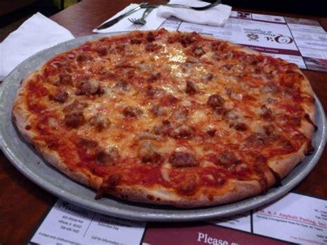 Marietta Pizza Kitchen by Chicago Q S Restaurant Lures With School Charm