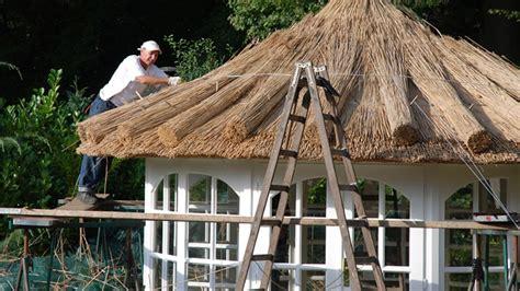 pavillon reetdach d 228 cher k 246 tter pavillon die gartenpavillon spezialisten
