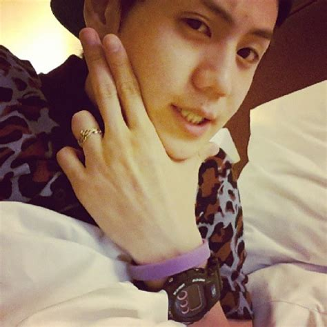 comfort women bracelet yoseob gains attention for wearing a bracelet supporting