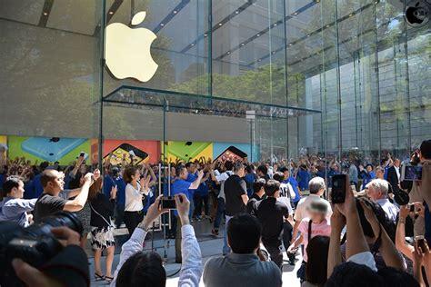 apple omotesando apple 表参道 グランドオープン シニアヴァイスプレジデントangela ahrendts氏ら幹部勢揃い