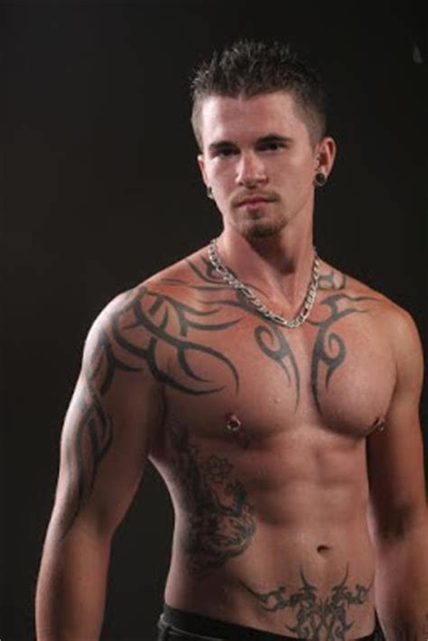 mcgregor tattoo espalda tatuajes tribales nunca pasan de moda tatuaje original