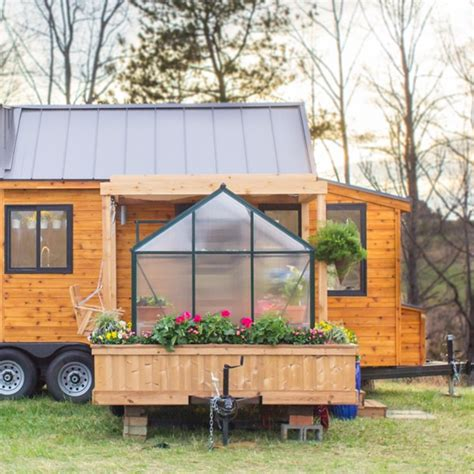 tiny mobile homes tiny mobile home is equipped with a flourishing green house