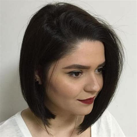 30 stunning medium hairstyles for round faces 30 stunning medium length hairstyles for round faces