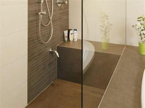 hohe duschwanne zum baden gemauerte dusche als blickfang im badezimmer vor und