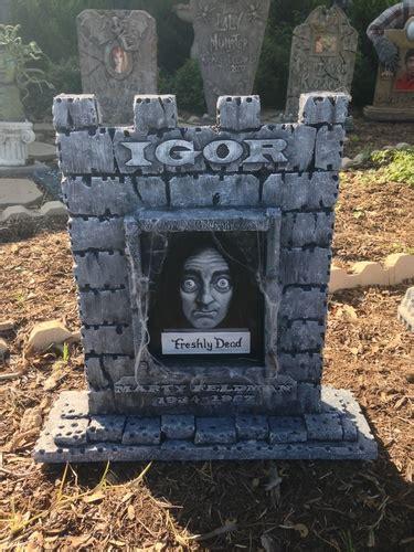 gene wilder headstone love this young frankenstein igor tombstone by halloween