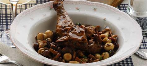 come cucinare il fagiano in umido ricetta fagiano ai funghi cucinarefunghi