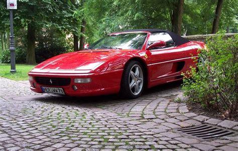 Ferrari Fahren Geschenk by Ferrari Selber Fahren In Herne Als Rasantes Geschenk Mydays