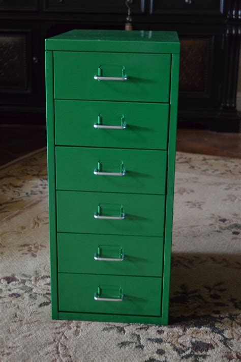 Helmer Drawer by How To Put Together An Quot Helmer Quot Drawer Unit Dengarden