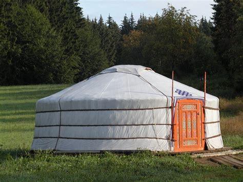 hutte mongole mongolei wildnisc im nationalpark bayerischer wald