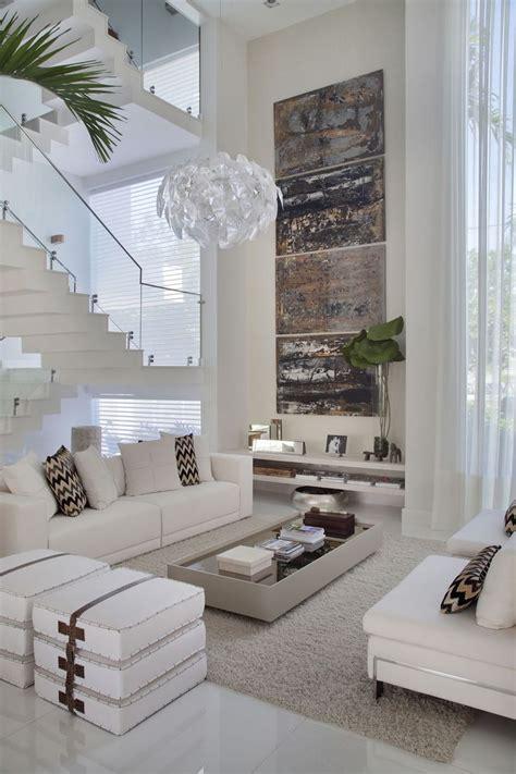 tall wall decor ideas    space warm  harmonious