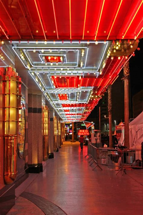 boyd s vegas daily neon sam boyd s fremont hotel and casino neon