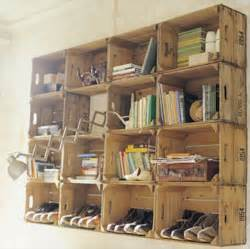 Makeshift Bookcase 45 Pallet Projects Diy 101 Pallets