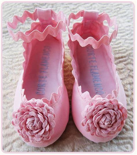 como decorar zapatillas de esparto para comunion flores de piculina para adornar zapatos alpargatas