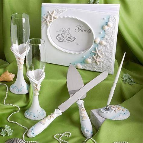 wedding favors of seashells and starfish decor for theme weddings