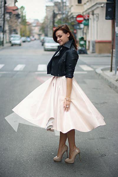light pink midi h m skirt zara shoes black