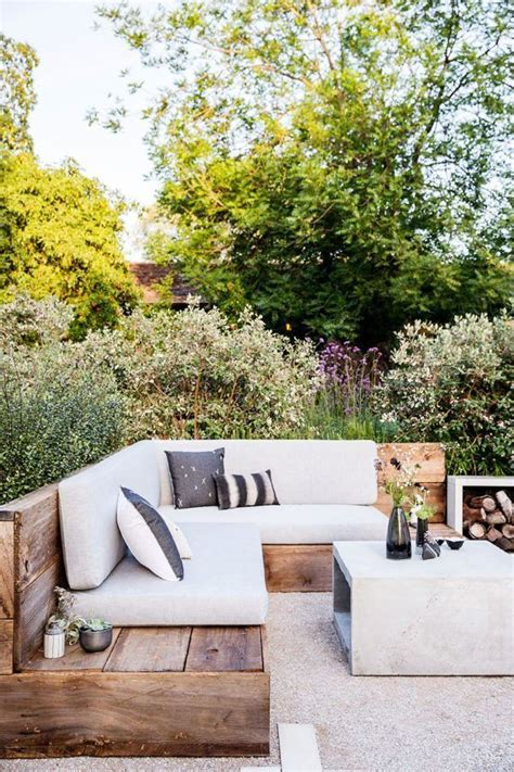 outdoor banquette best 25 outdoor lounge ideas on pinterest outdoor furniture outdoor sectional and