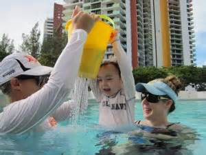 teaching baby to swim in bathtub 3 simple rituals to help your child conquer fear and love the water baby hints and tips